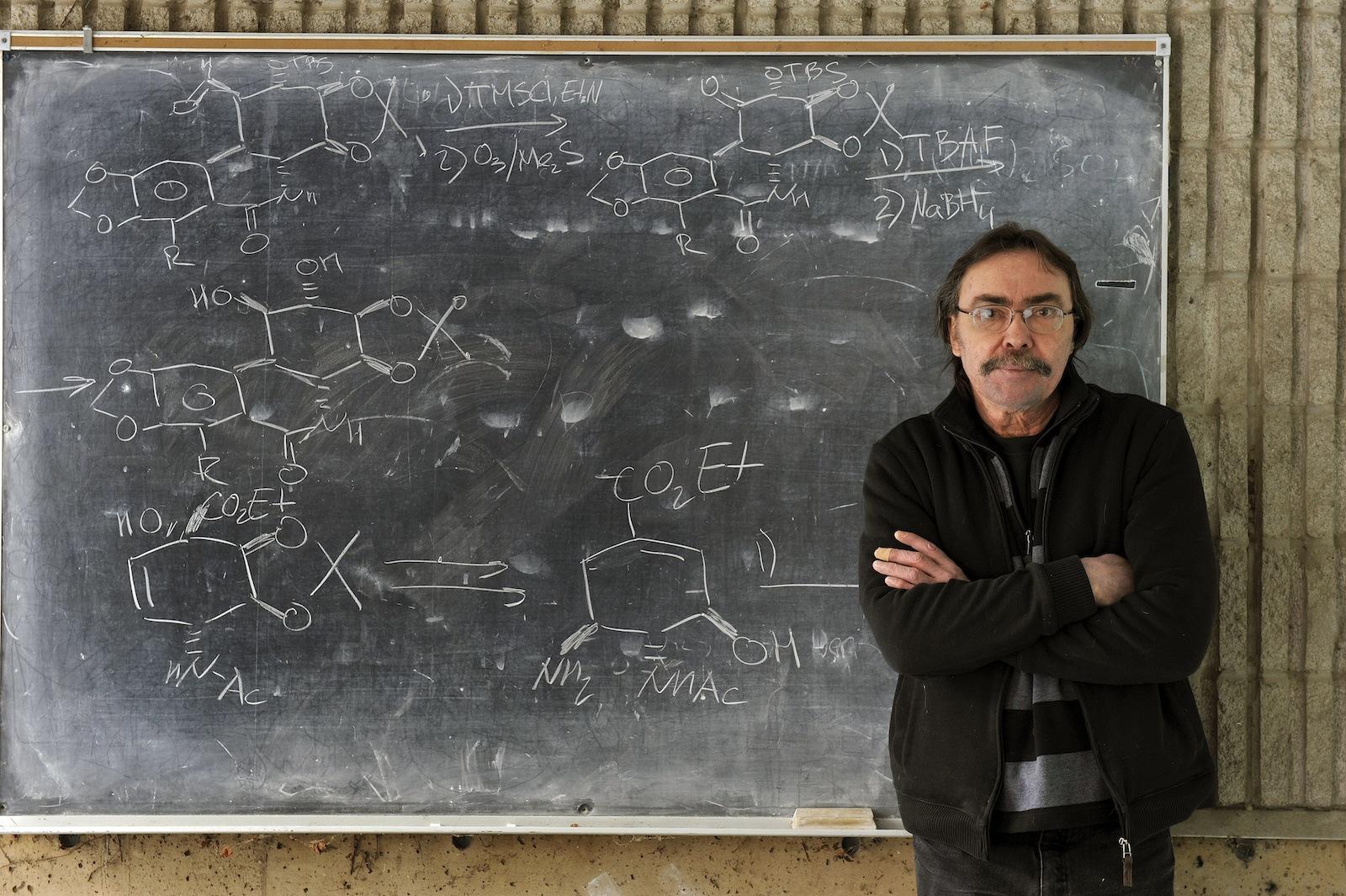 Dr. Tomas Hudlicky